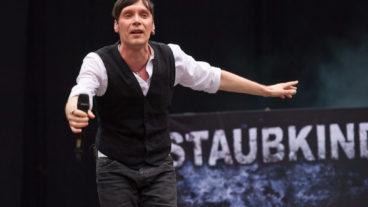 Fotos von Staubkind als Support von Unheilig am 21.07.2012 im RheinEnergieStadion zu Köln