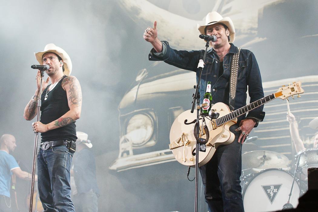 Fotos von The Boss Hoss bei Rock im Pott am 25.08.2012 in der Veltins Arena, Gelsenkirchen