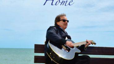 """Chris de Burgh liefert mit """"Home"""" eine Retrospektive der ganz besonderen Art"""