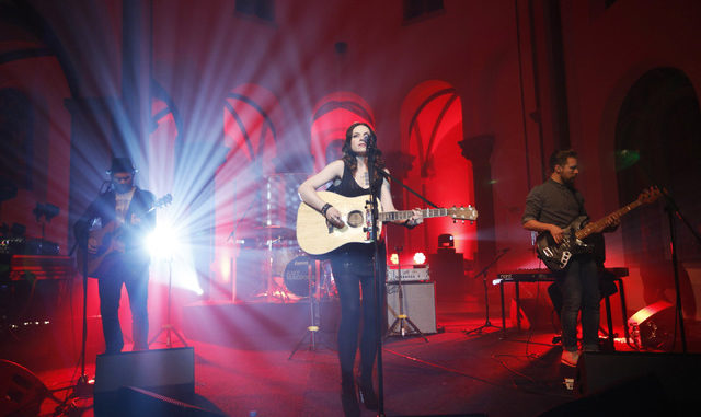 Amy McDonald Live 2012