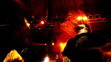 Bilder von Devildriver und Cannibal Corpse in der Garage Saarbrücken am 06.03.2013