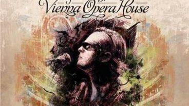 Bluesmeister Joe Bonamassa beehrt das renommierte Vienna Opera House mit akustischen Klängen