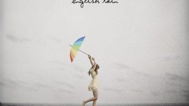 Gabrielle Aplin – English Rain: Die britische Newcomerin erfreut mit einem wohltuenden musikalischen Sommerregen