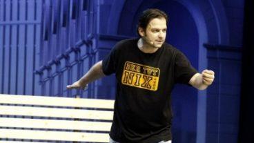 """Martin Rütter, der Hundeprofi, verbreitete seine Weisheiten am 28.5.2013 in der Arena Trier: """"Der tut nix!"""""""