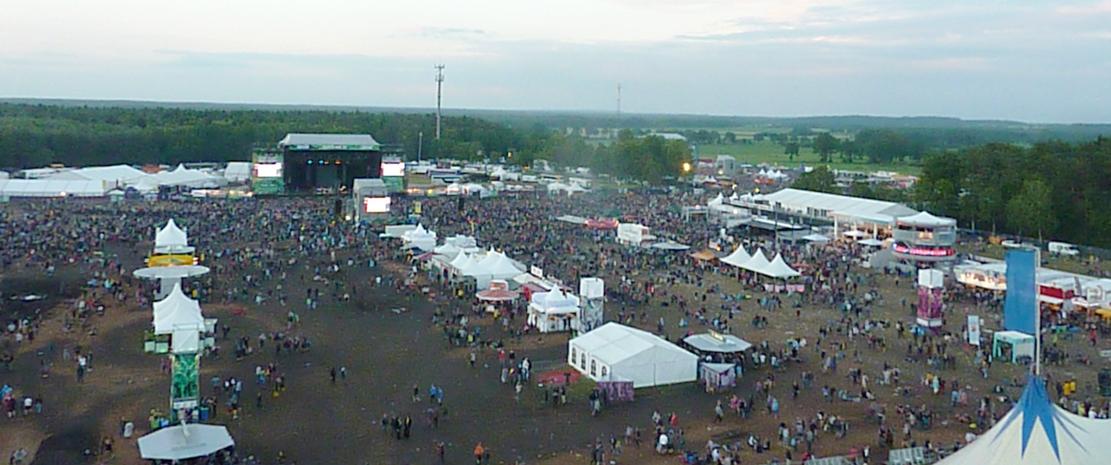 Das Hurricane Festival 2013 rockt dem wechselhaften Wetter zum Trotz das 17. Mal den Eichenring in Scheeßel – Der Freitag