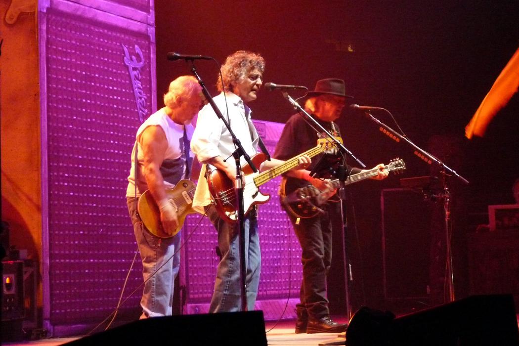 Neil Young & Crazy Horse Fotos am 12.07.2013 in der Lanxess Arena in Köln