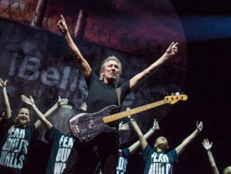 Roger Waters The Wall am 06.09.2013 in der ESPRIT Arena, Düsseldorf