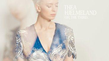 """Thea Hjelmeland – """"Oh, The Third.."""": Eigenwilliger Akustik-Pop aus dem hohen Norden"""