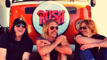 "Taylor Hawkins, Wiley Hodgen & Mick Murphy: ""The Birds Of Satan"" erscheint am 18. April!"
