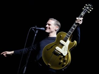 Bryan Adams Live Picture
