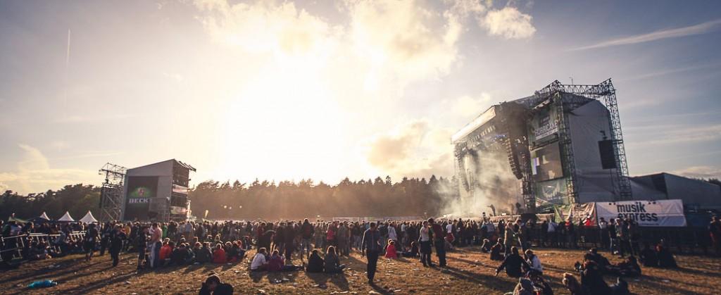 Rund 70.000 Fans feierten beim Hurricane Festival 2014 in einer riesigen Staubwolke