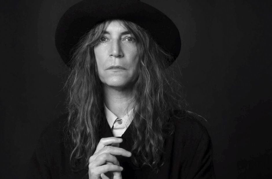 Patti Smith spielt