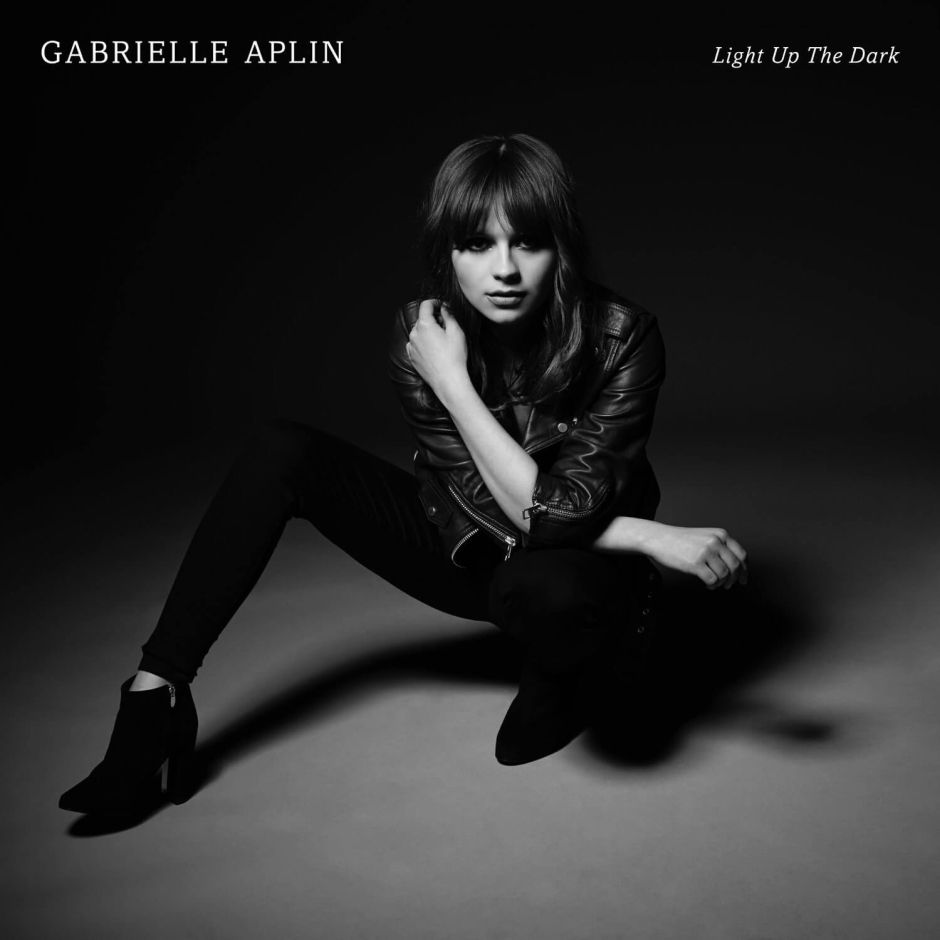 """Gabrielle Aplin """"Light Up The Dark"""": Sommerregen und Herbstwinde"""