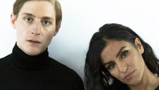 """Berliner Avantgarde-Pop-Duo Pari San mit """"Frozen Time"""""""