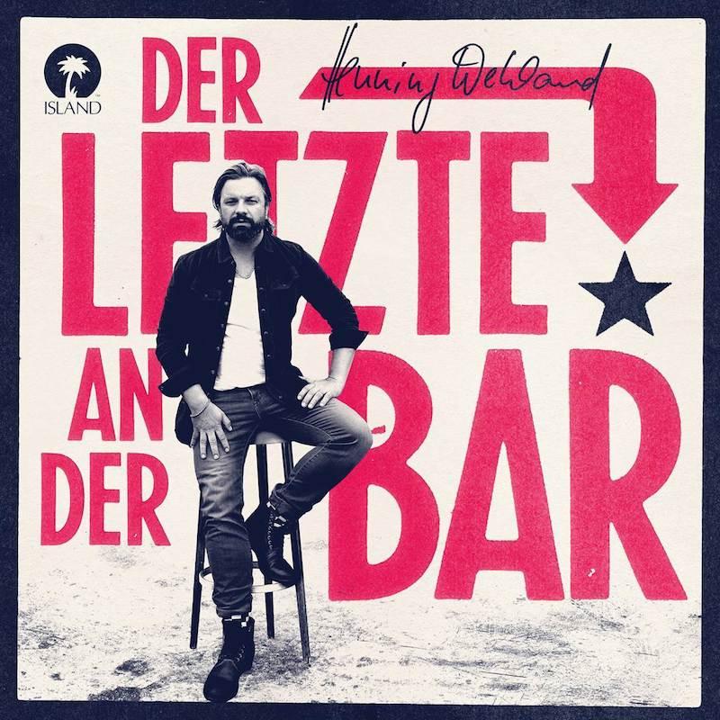 Henning Wehland rollt die Bar von hinten auf