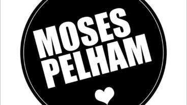 Moses P zeigt