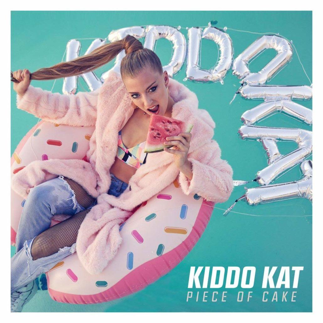 Kiddo Kat verdient ein Stück vom Kuchen