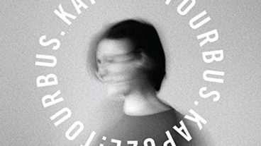 """Kapuze veröffentlichen ihr Debüt Album """"Tourbus"""""""