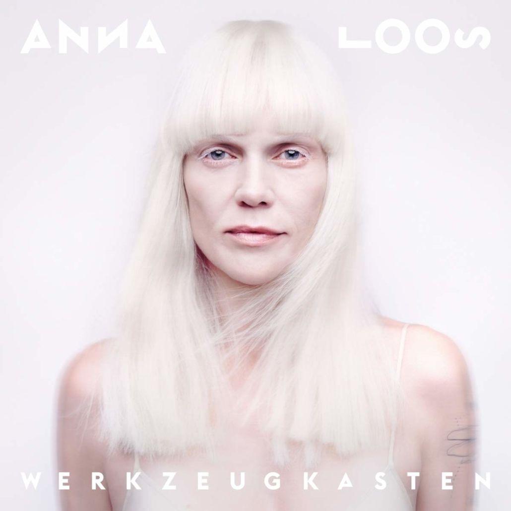 """Anna Loos: Ein """"Werkzeugkasten"""" voller Geschichten und Gefühle"""