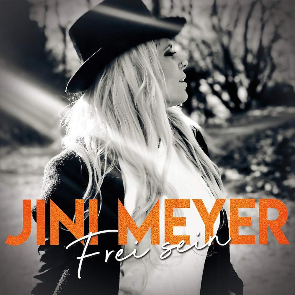 Jini Meyer feiert ihre Freiheit