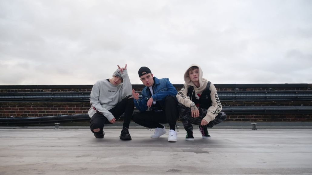 """Bars And Melody: Der offizielle Clip zu """"Teenage Romance"""" ft. Mike Singer"""