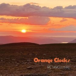 Orange Clocks Metamorphic bei Amazon bestellen