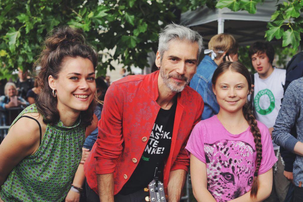 """Berge: Neues Video """"Sind so kleine Hände"""" & War Child TV mit Revolverheld"""