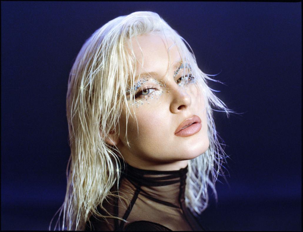 Zara Larsson veröffentlicht mit Sabrina Carpenter das Video zur Single WOW