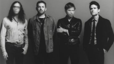 "Kings Of Leon veröffentlichen Visualizer zur Single ""100,000 People"""