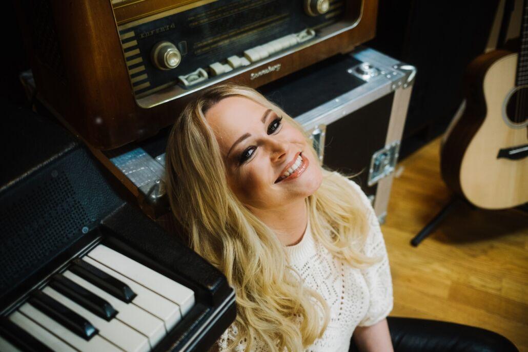 Antonia Kubas: Baby, Liebe & Musik – ein Song voll Sehnsucht & Optimismus